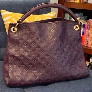 Louis Vuitton Artsy MM in Empreinte Purple Leather